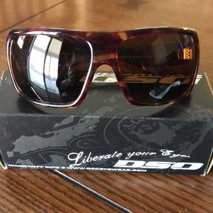 DSO Famous polarized Sunglasses.